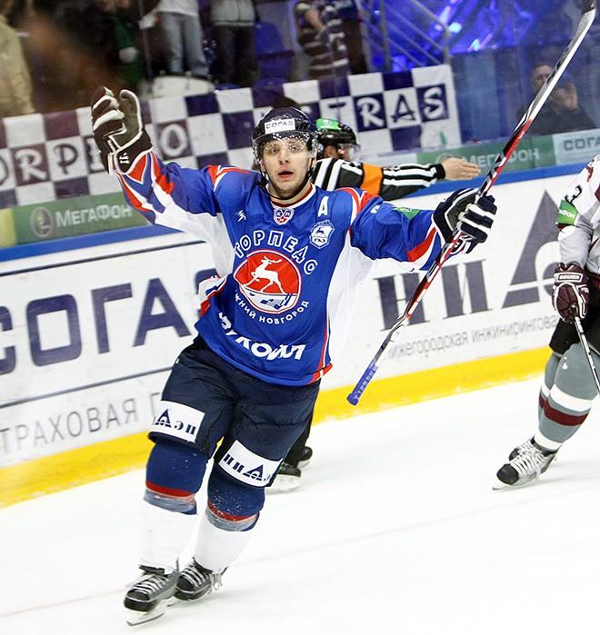 Михаил Варнаков в форме нижегородского «Торпедо» в сезоне-2009/10