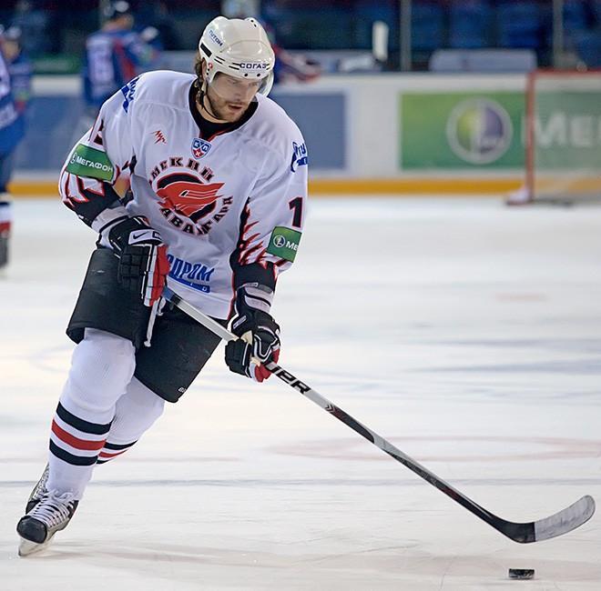 Александр Свитов в форме омского «Авангарда» в сезоне-2009/10