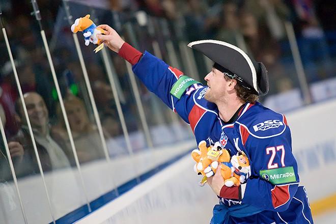 Атюшов в форме магнитогорского «Металлурга» в сезоне-2009/10