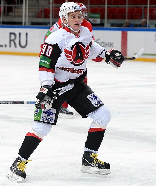 Малыхин в составе екатеринбургского «Автомобилиста» в сезоне-2012/13