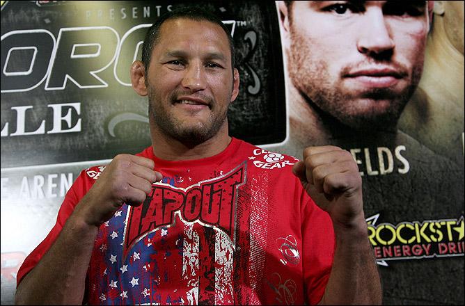 Хендерсон является единственным в мире обладателем уникального достижения — Хендо чемпион трёх крупнейших организаций ММА (Pride, UFC и Strikeforce).