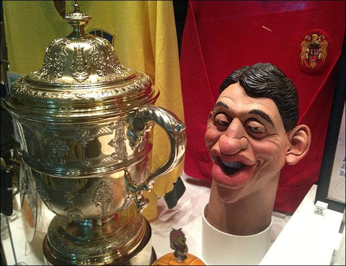Кукольная голова Гари Линекера из британского сатирического телевизионного шоу