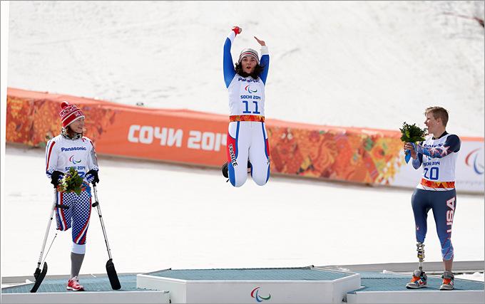 Счастливый прыжок россиянки Инги Медведевой на паралимпийском пьедестале почёта