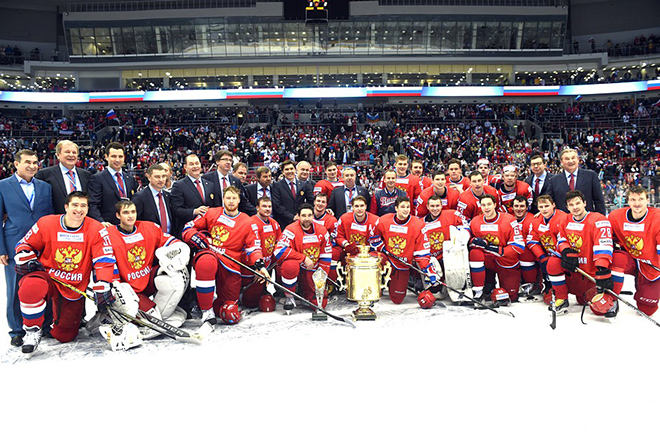 Праздничное фото победителей Кубка Первого канала