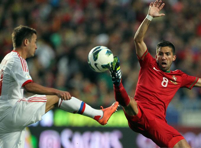 Отборочный матч ЧМ-2014. Португалия — Россия. Виктор Файзулин против Жуана Моутинью