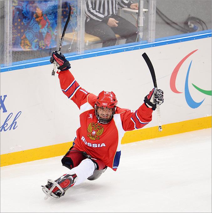 Евгений Петров только что вывел сборную России вперёд в поединке против Южной Корее в матче группового этапа Паралимпиады
