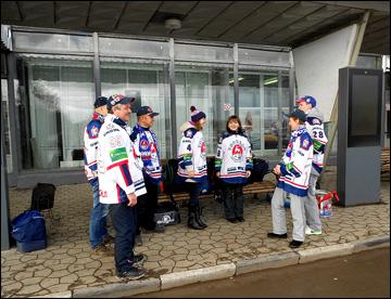 Торпедовские болельщики собираются в нижегородском аэропорту