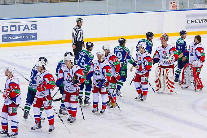 21.11.2010. КХЛ. Югра - Локомотив - 2:3. Фото 04.