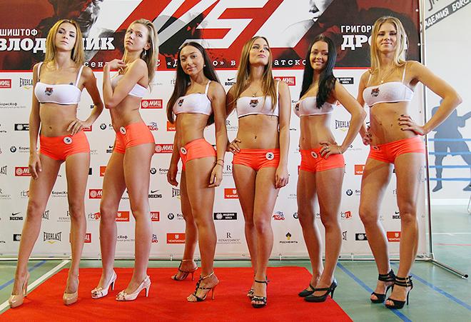 Финалистки конкурса «Стань рингкард-гёрл вместе с «Чемпионатом»