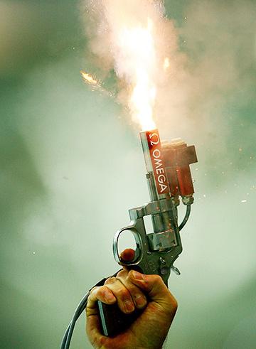 В СССР в качестве стартовых пистолетов нередко применялись наганы
