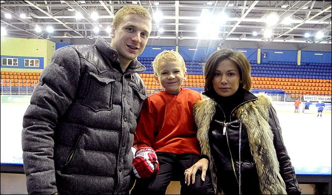 Виктор Довгань с семьей