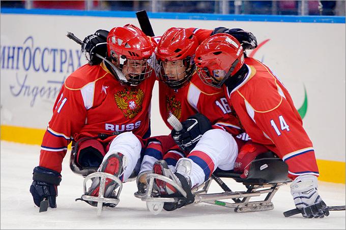 Сборная России по следж-хоккею обыграла команду Италии на групповом этапе Паралимпиады в Сочи