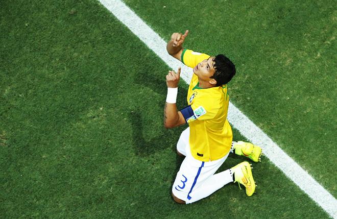 ЧМ-2014. Бразилия – Колумбия – 2:1. Забивший первый мяч Тьяго Силва благодарит небеса