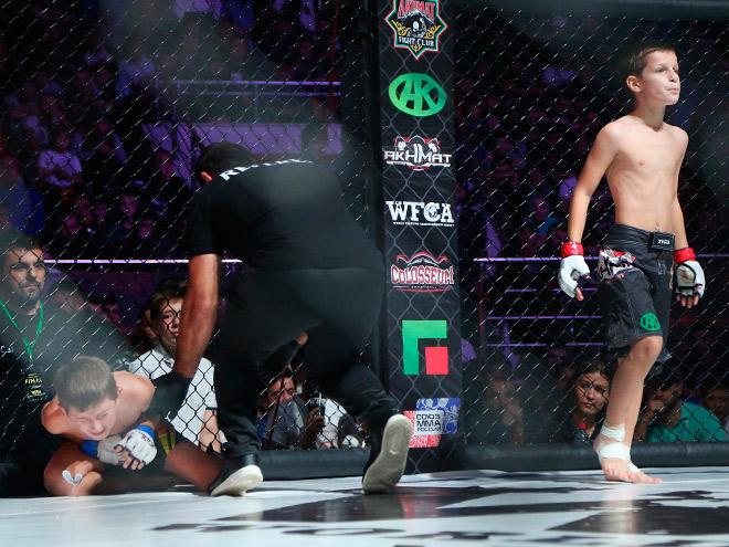 Ахмад Кадыров нокаутировал Дамира Шевхужева на 14-й секунде боя