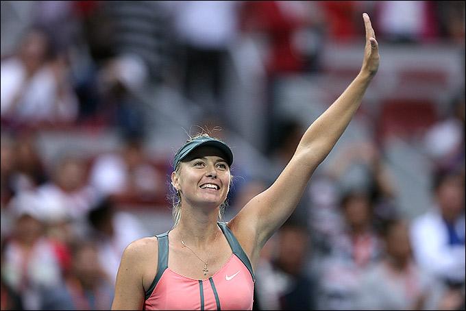 Мария Шарапова приняла участие в теннисной самодеятельности.