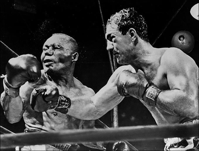 23 сентября 1952 года. Пенсильвания, США. Рокки Марчиано – Джерси Джо Уолкотт.