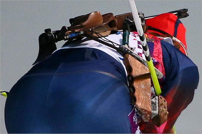 Шумилова со сломанной винтовкой