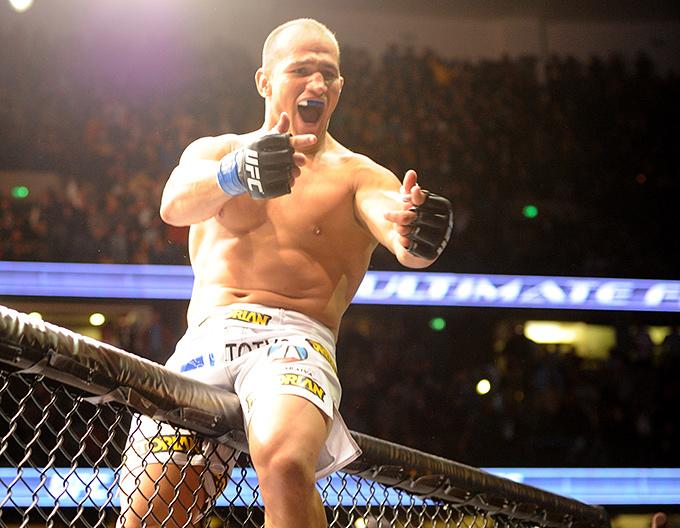 Жуниор дус Сантус (#1 рейтинга тяжеловесов UFC)
