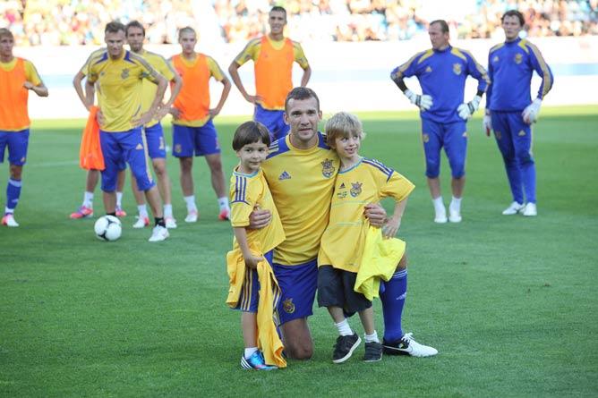 Андрей Шевченко с Тимуром (слева) и сыном Джорданом