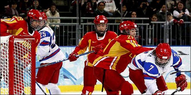В Ванкувере наша женская сборная, как и мужская, не попала даже в полуфинал