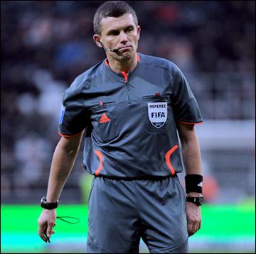 Виктор Швецов ещё в минувшем сезоне являлся арбитром ФИФА и работал на Евро-2012