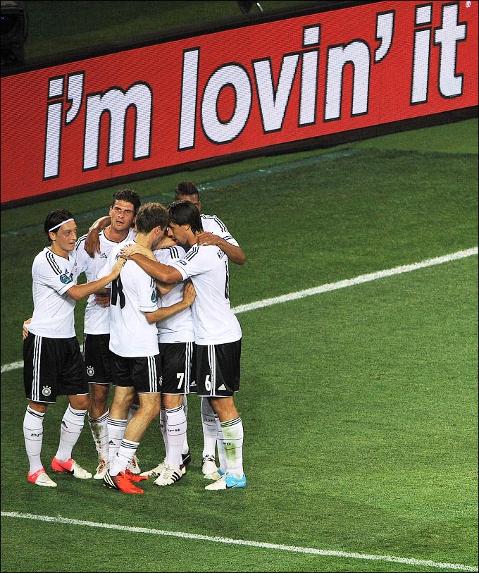 Германия празднует гол