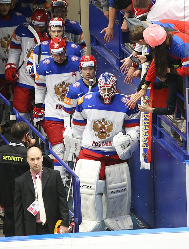 Голкипер сборной России Сергей Бобровский