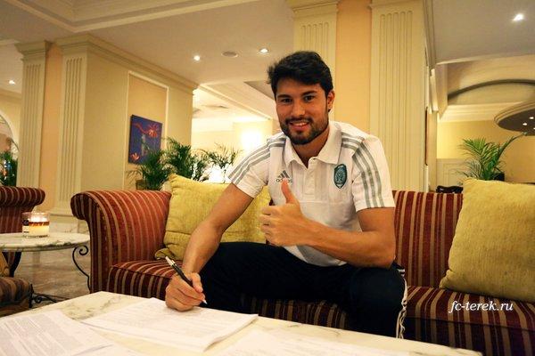 Бразильский полузащитник Кен перешёл в «Терек» на правах свободного агента