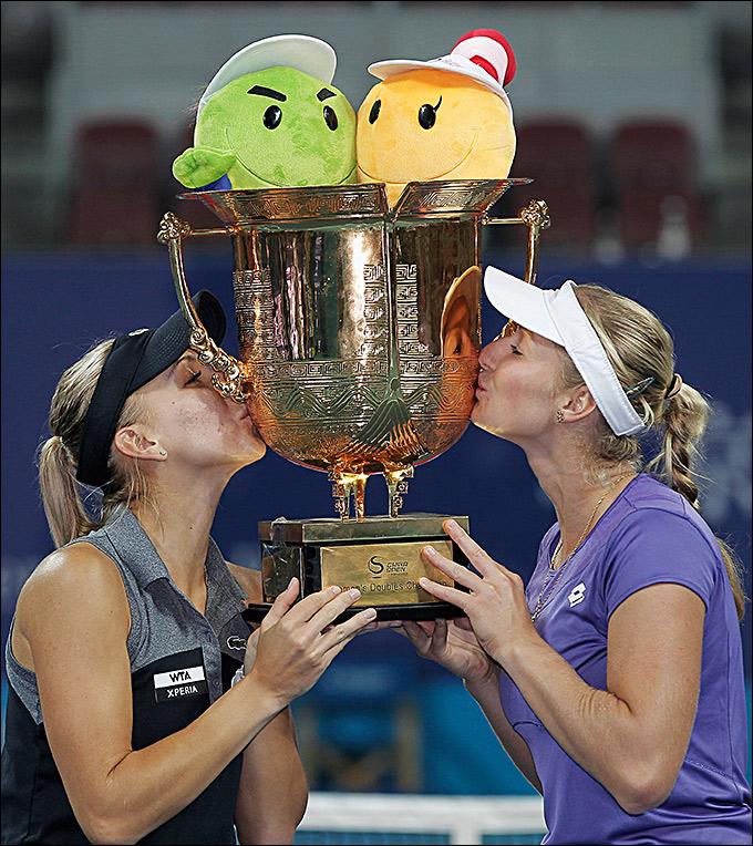 Елена Веснина и Екатерина Макарова одержали победу в Пекине