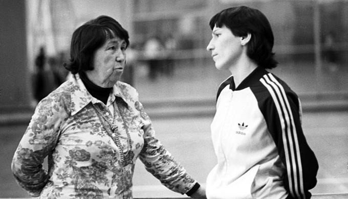 Ольга Морозова и её первый тренер Нина Теплякова. 1979 год