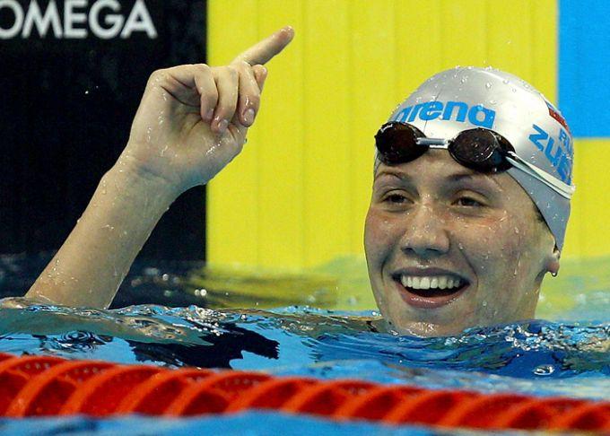 Анастасия Зуева принесла России единственное золото в бассейне