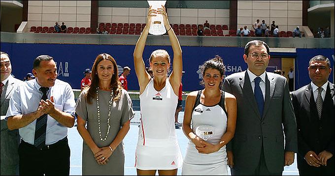 Бояна Йовановски завоевала в Баку свой первый титул WTA