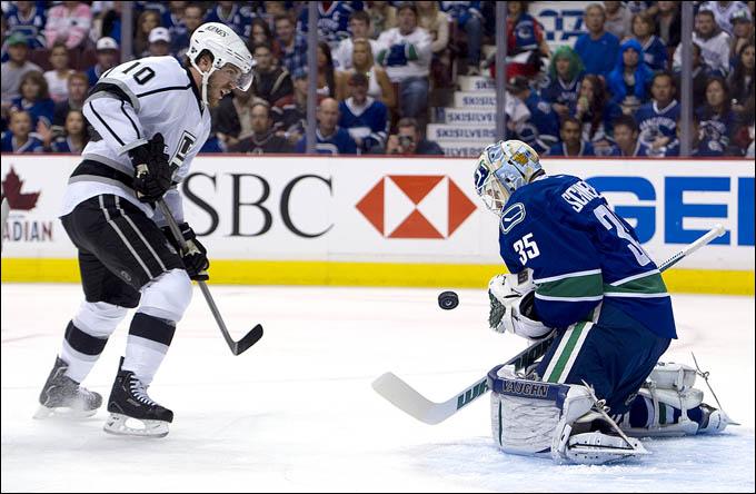 """23 апреля 2012 года. Ванкувер. Плей-офф НХЛ. 1/8 финала. """"Ванкувер Кэнакс"""" — """"Лос-Анжелес Кингз"""" — 1:2 (ОТ)"""