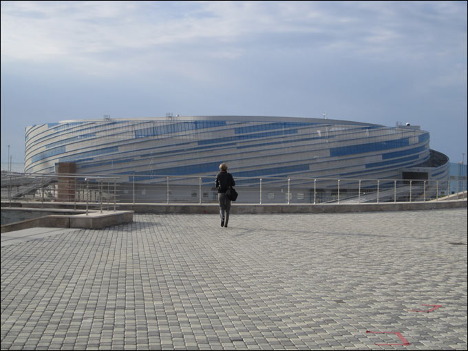 "Ледовый дворец ""Шайба"". Вид снаружи"