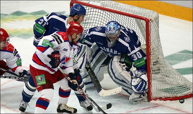25.11.2010. КХЛ. Динамо М - ЦСКА - 3:2. Фото 04.