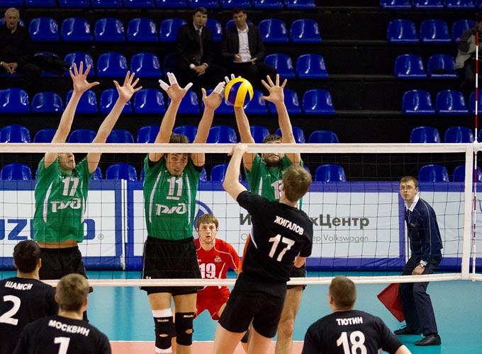 Максим Жигалов в атаке
