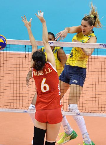 """Волейбол. """"Финал шести"""" Гран-при. Бразилия — Китай — 3-0"""