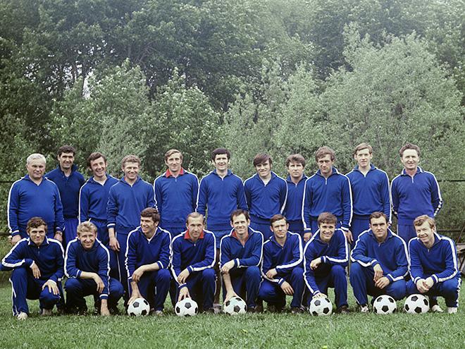 В августе 1970-го главным тренером сборной был назначен Валентин Николаев, также возглавлявший ЦСКА