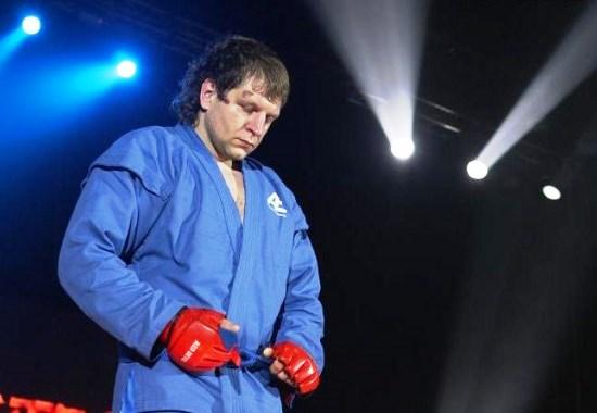 В 2007 году Емельяненко собирался выступить турнире в США (Affliction), однако не был допущен к бою из-за того, что у него был обнаружен гепатит С.