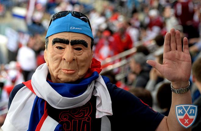 За сборную Латвии болеет даже лично Леонид Ильич. Правда, Латвии это пока не помогает…