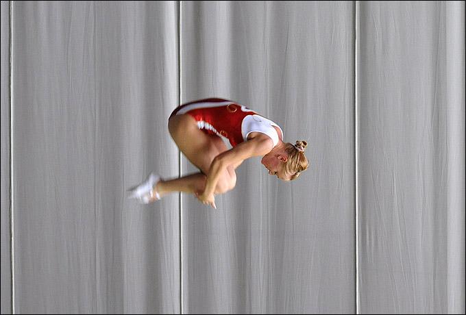 Виктория Воронина во время исполнения очередного прыжка