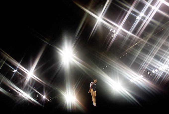 Высота потолков North Greenwich Arena позволит прыгунам на батуте показать всё своё мастерство