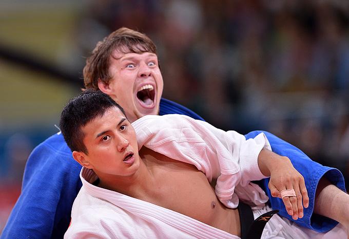 Иван Нифонтов побеждает в поединке за третье место