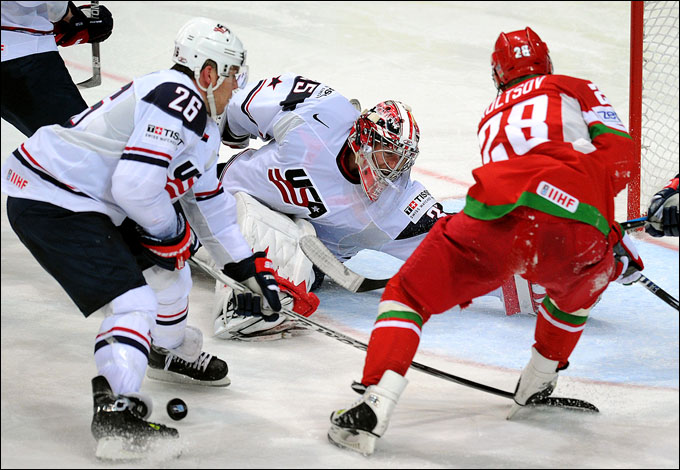 Константин Кольцов атакует ворота сборной США