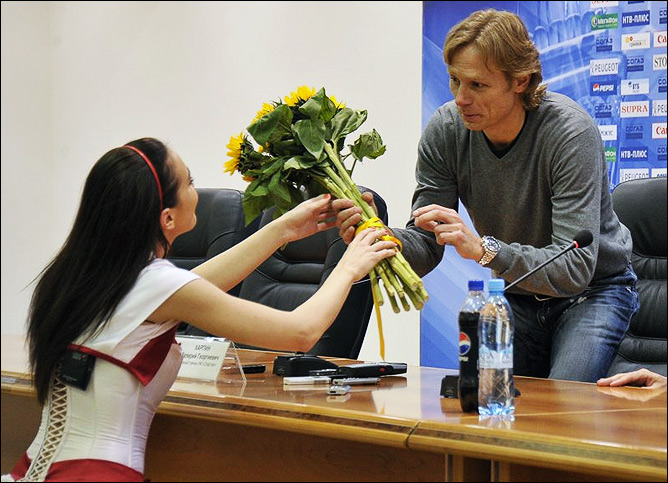 Цветы для Валерия Карпина