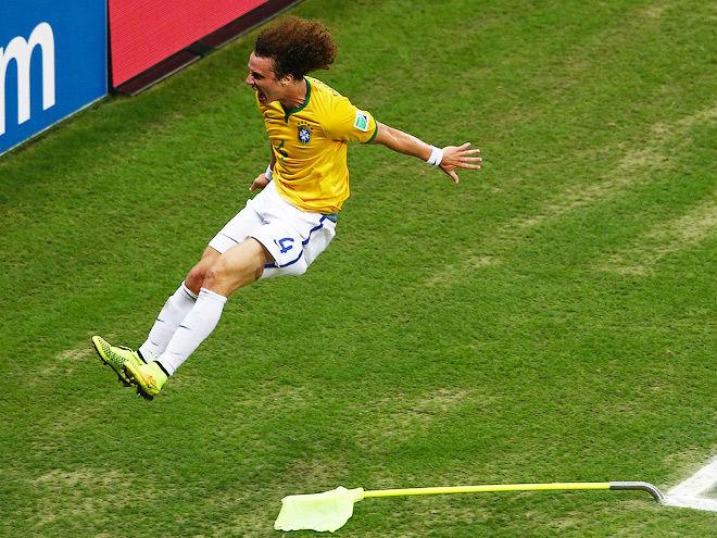 Давид Луис забил победный гол в ворота Колумбии