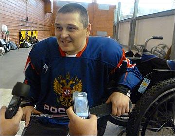Вадим Селюкин — капитан сборной, центральный нападающий с опытом игры в защите
