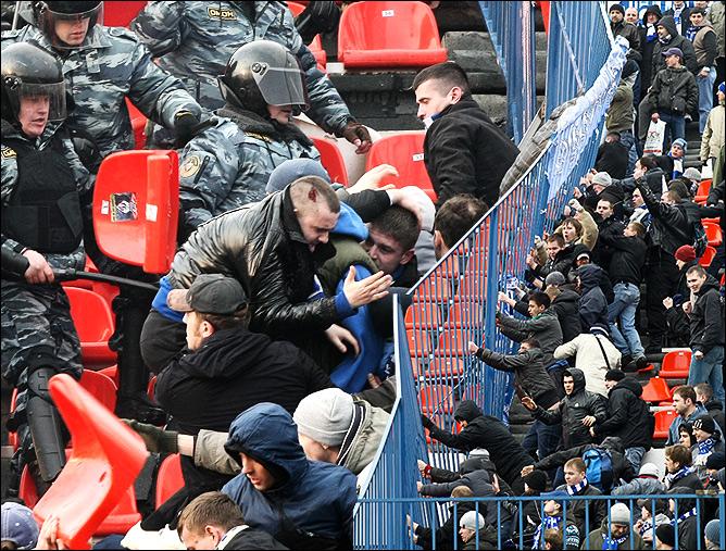 """Драка на стадионе """"Локомотив"""""""