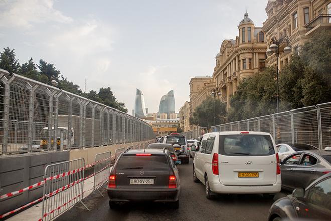 Пробки на одном из участков уличной трассы