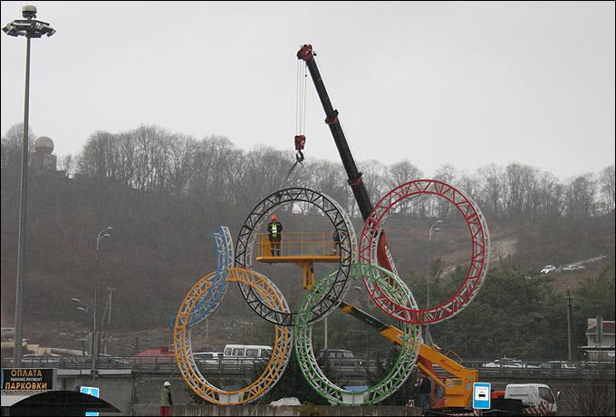 Для Сочи пришло время устанавливать последнее олимпийское кольцо
